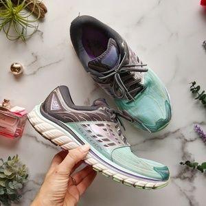 BROOKS Glycerin 14 running shoe Aruba blue sneaker